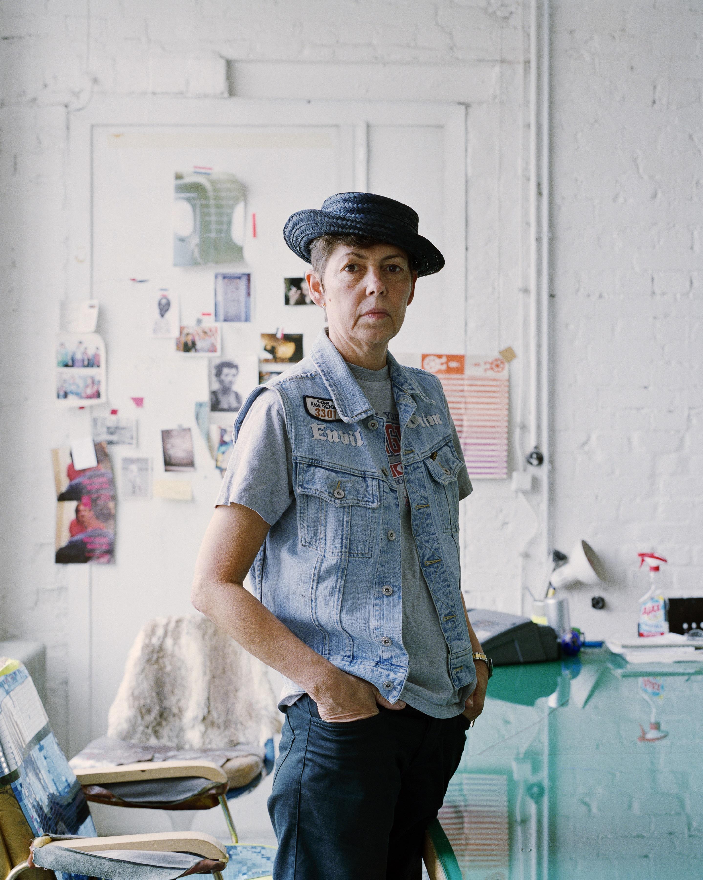 Portraitfoto der Künstlerin Isa Genzken Berlin 2003