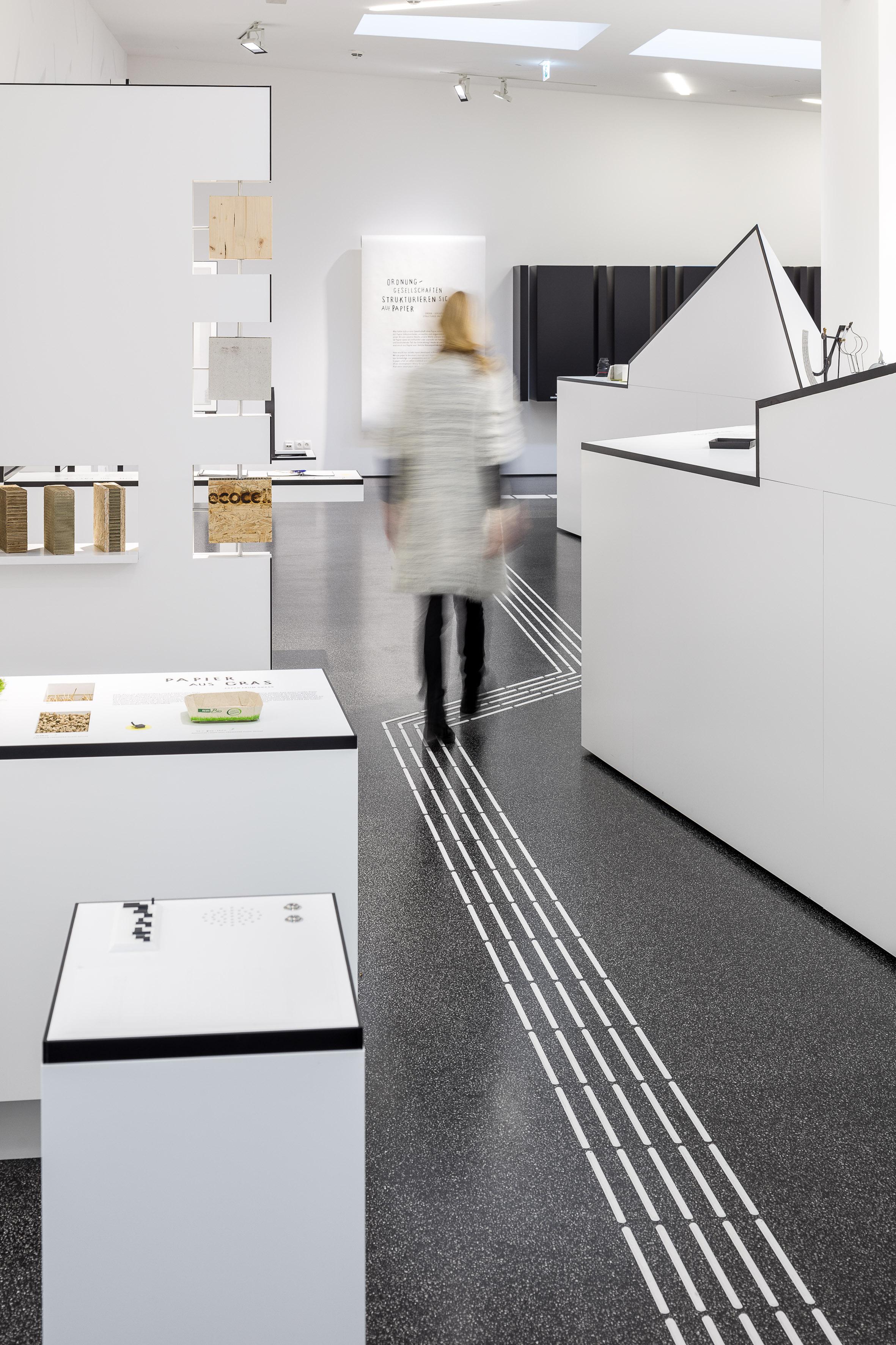 Blindenspur in der Dauerausstellung